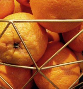 Hoe maak je sinaasappelsap couscous?